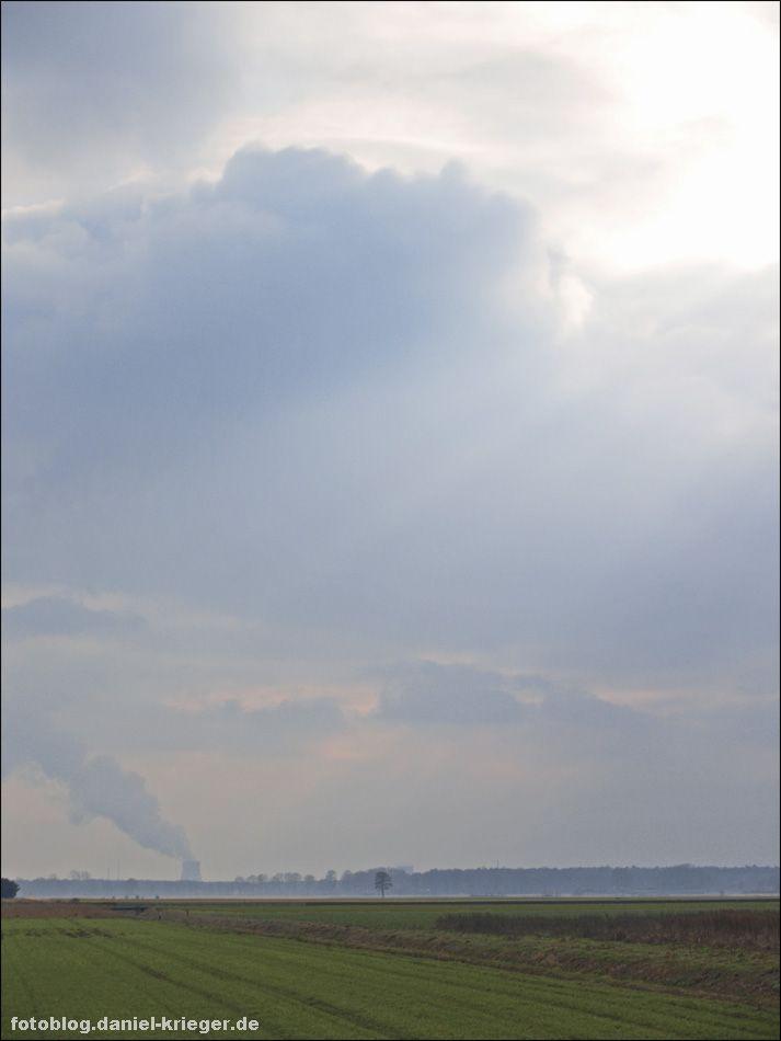 himmel_feld_kraftwerk.jpg